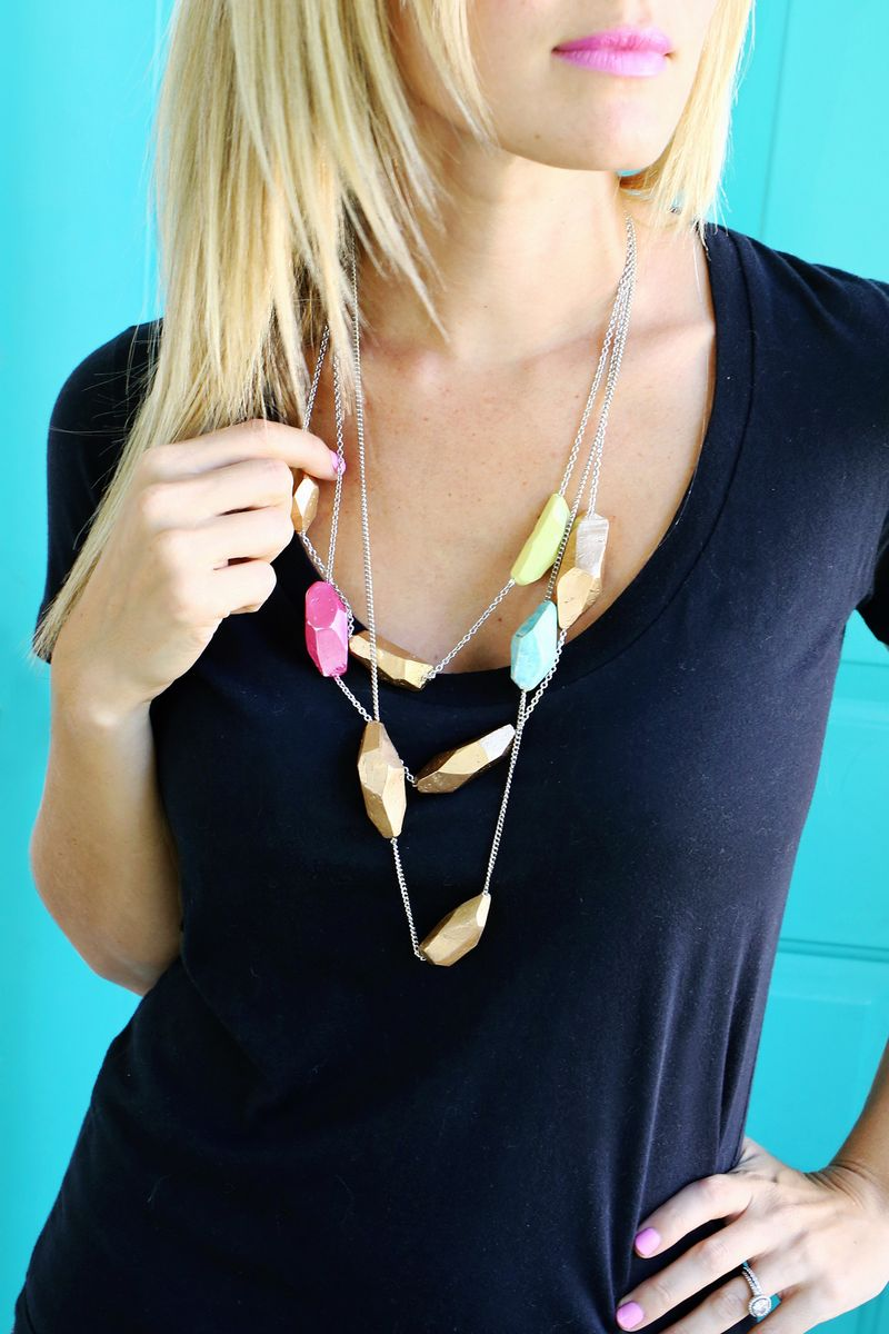 Make a clay geometric necklace in a snap