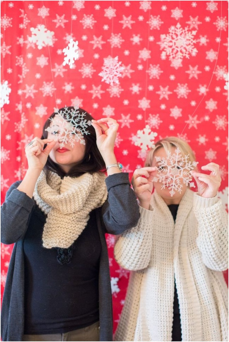 Fun DIY Photobooth Backdrops For A New Year's...