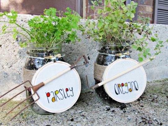 Mason jar herb garden ? the PEARL blog