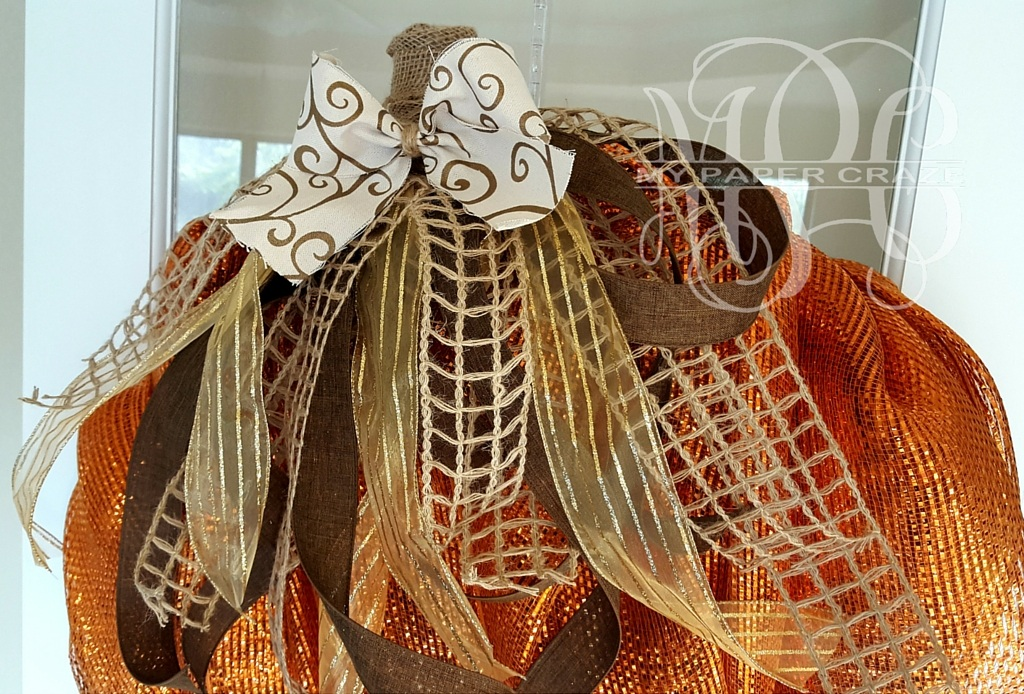 DIY Rustic Pumpkin Mesh Wreath