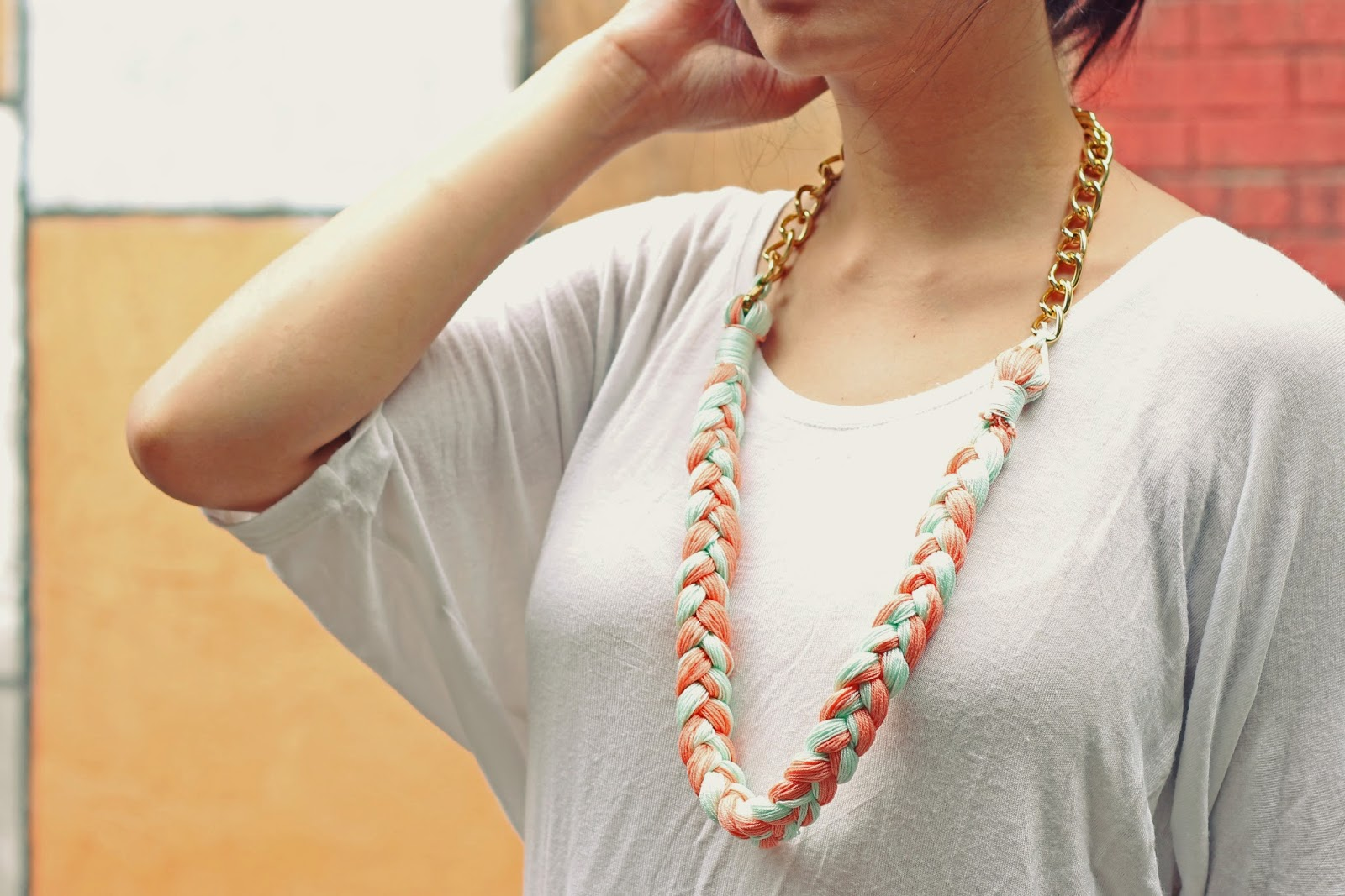 Summer fling: DIY two-tone pleated necklace