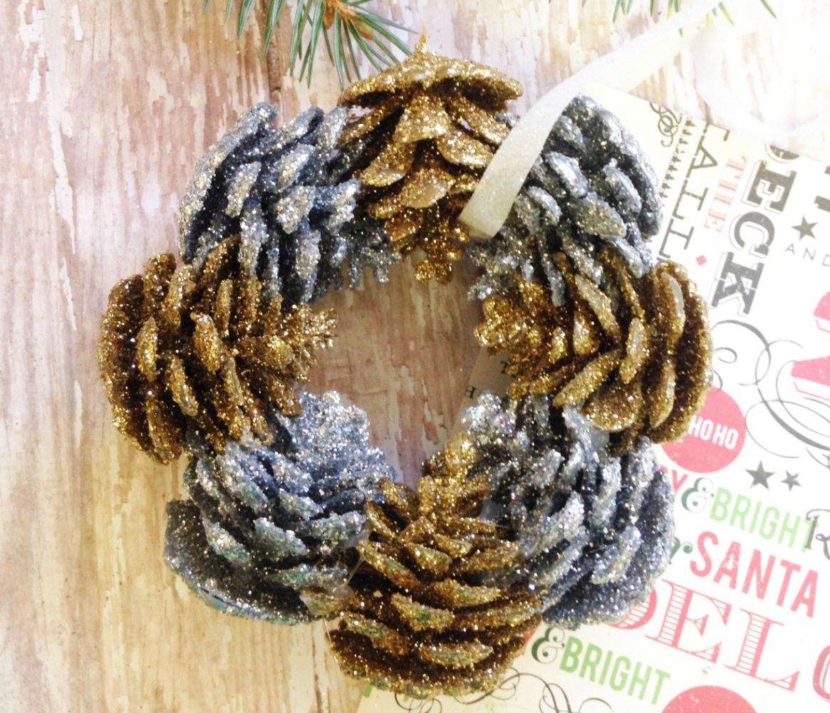 Homemade Christmas Ornaments Glitter Pinecone Wreath