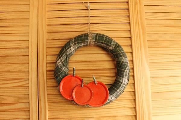 Upcycled Jar Lid Pumpkin Patch Wreath