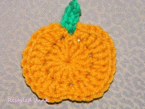 Crochet a Pumpkin Applique Tutorial