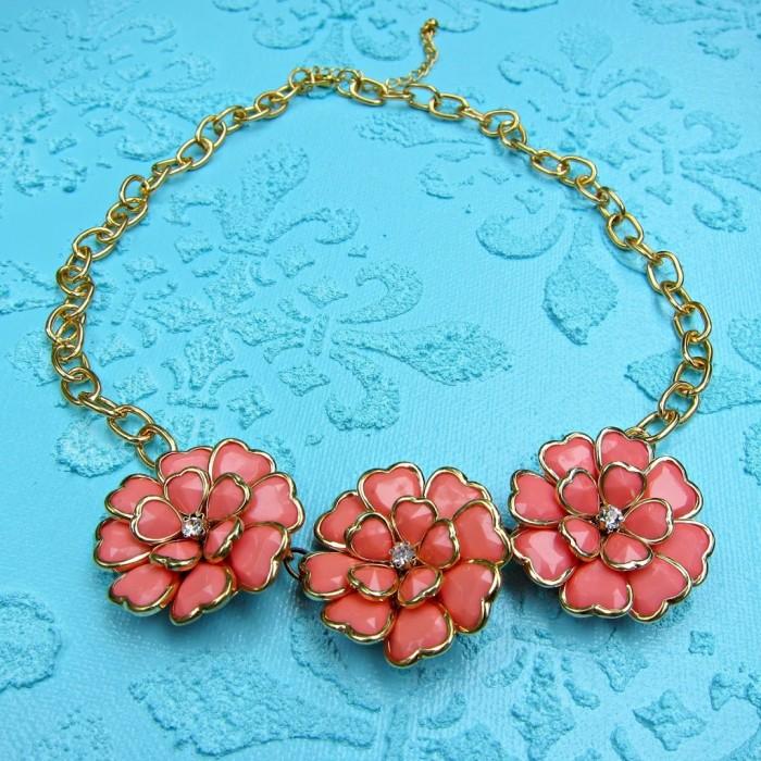 DIY anthropologie inspired coral flower necklace