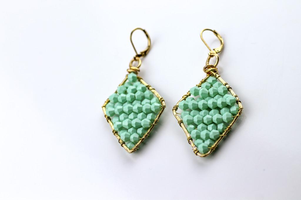 DIY mint beaded earrings
