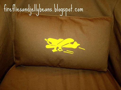 Airplane Pillow with Heat Transfer Paper from Silhouette
