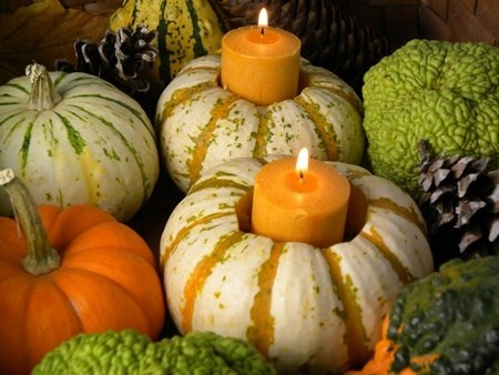 Easy Low Cost Gourds and Candles Fall Table Centerpiece Idea