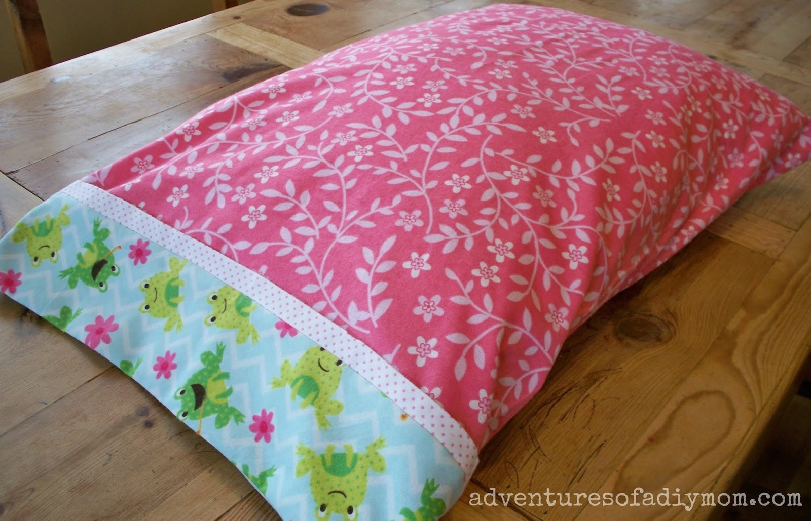 How to Make an Easy Rolled Pillowcase with only 3 Seams!