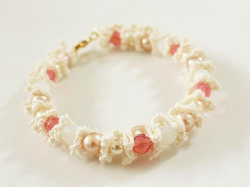 Beads & lace bracelet tutorial