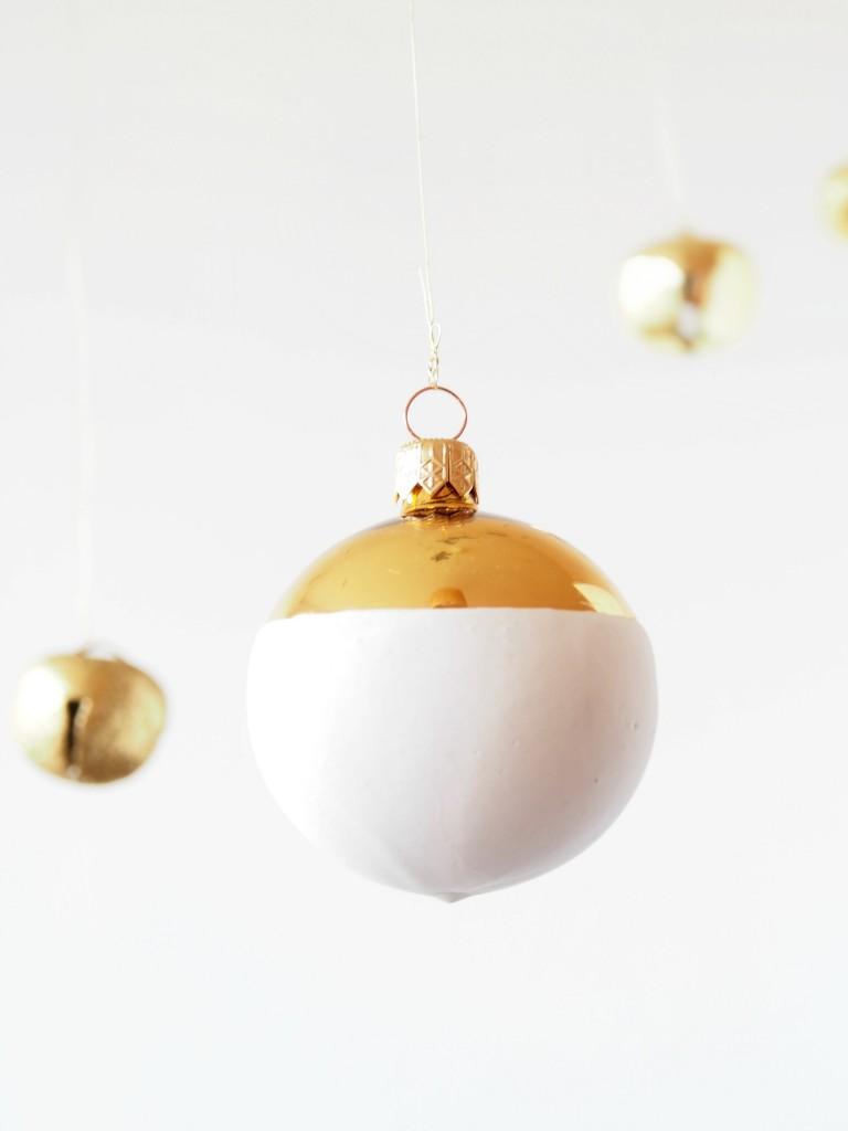 DIY faux ceramic christmas baubles