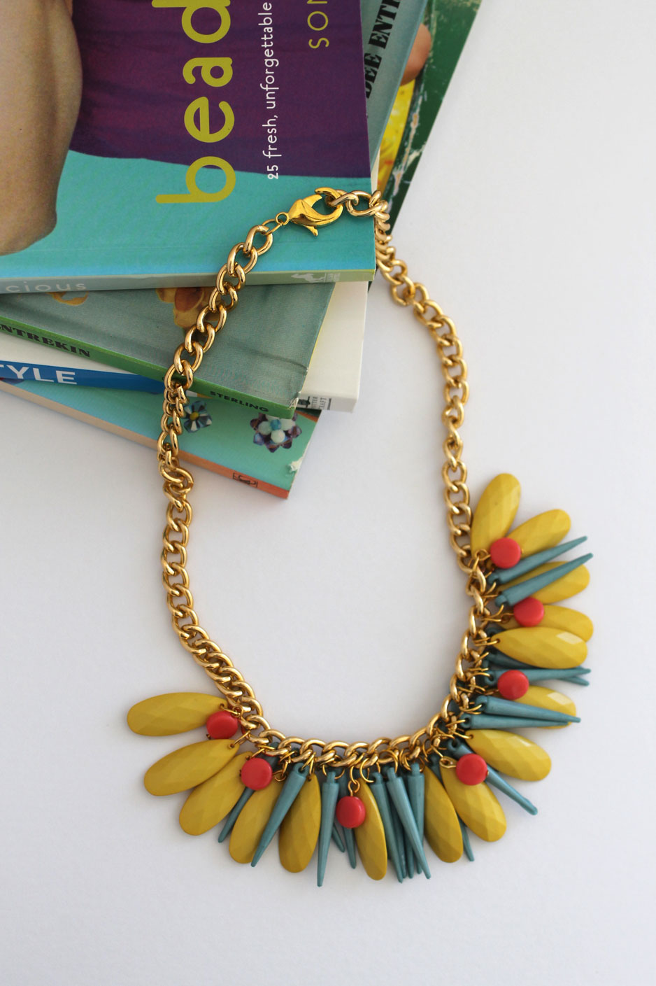 DIY _ simple spike and chain statement necklace