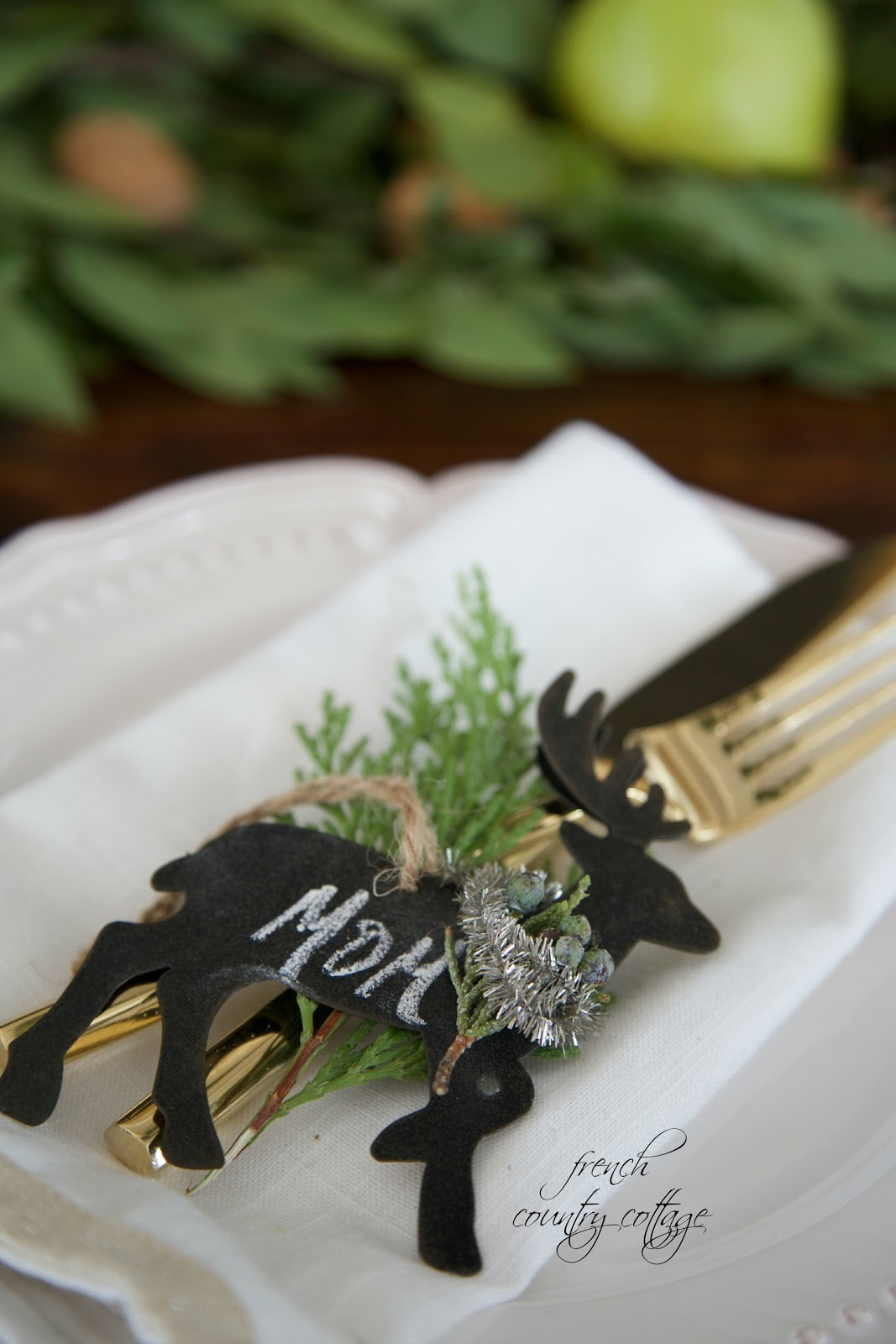 {DIY} Personalized Reindeer Ornaments & Place Setting Holders