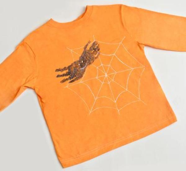 Make a cute T shirt for Halloween