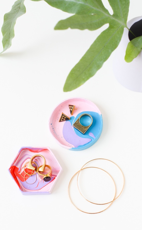 5 Minute DIY How to Make a Mini Jewelry Dish with a Box Lid Paper and Stitch