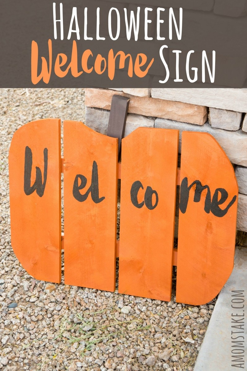 DIY Halloween Welcome Sign
