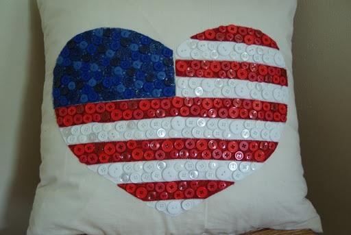 I Heart USA Button Pillow Tutorial