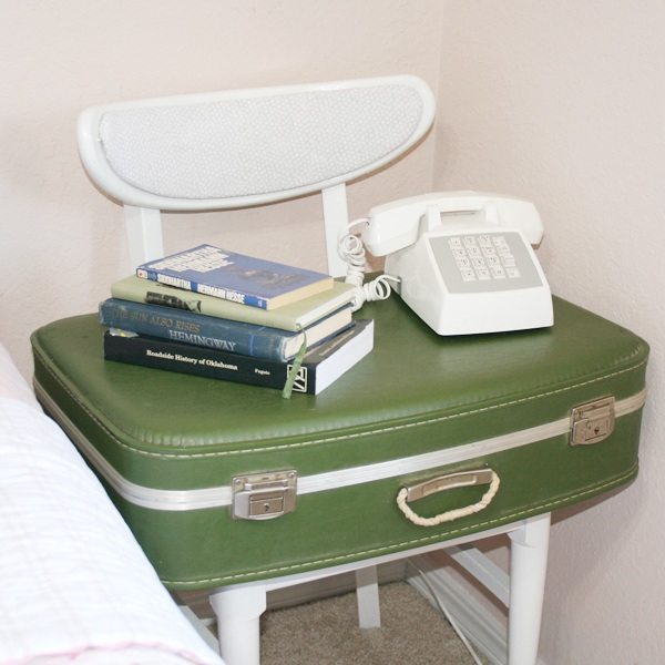 Suitcase Side table DIY