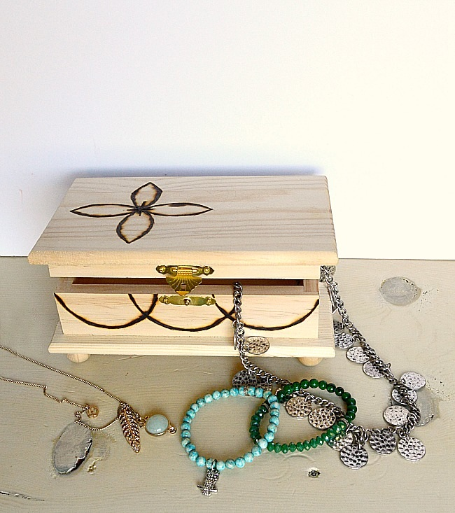 How to Wood Burn Custom Jewelry Box Tutorial