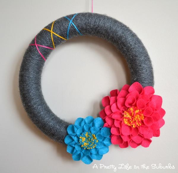 Summer Dahlia Yarn Wreath