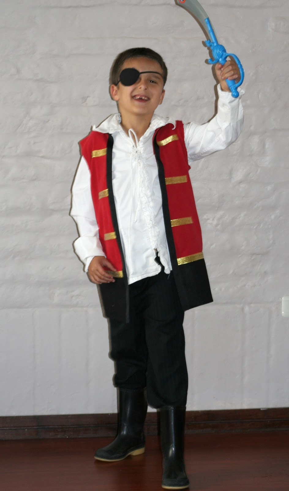 No Sew Captain Hook Costume From a T Shirt Inspired by Familia