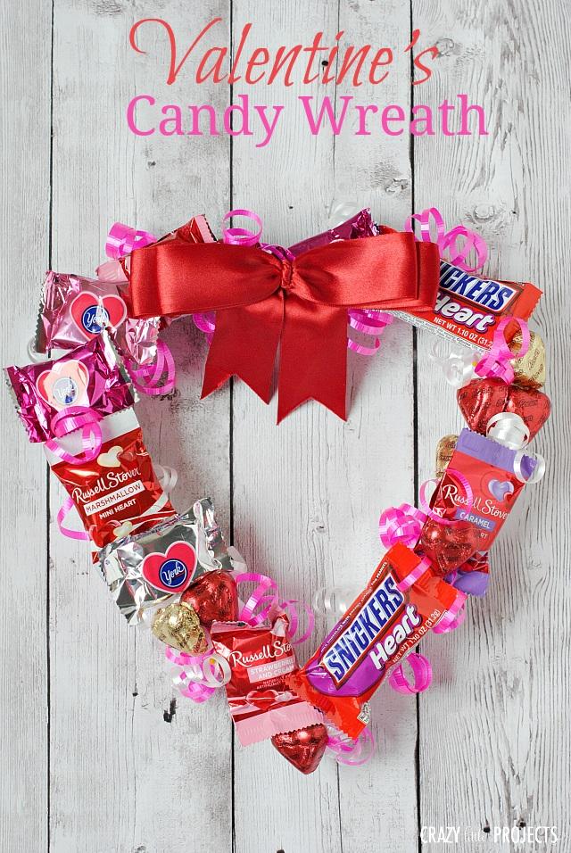 Valentine??s Candy Wreath
