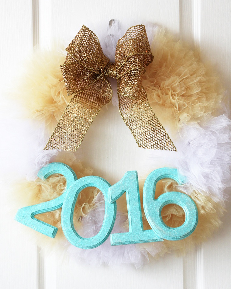 New Year Decor Tulle Wreath Project