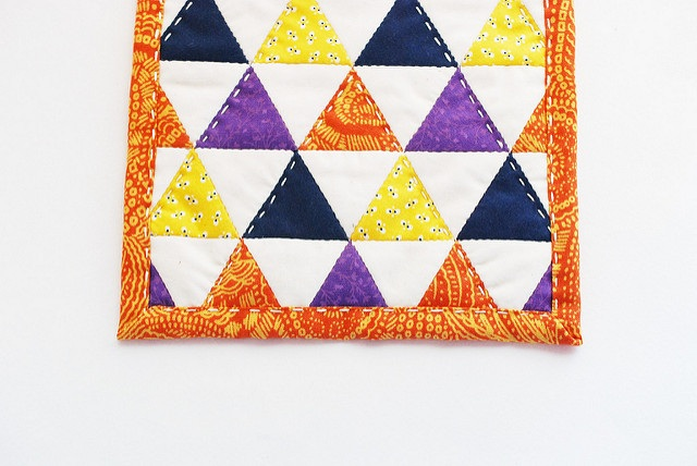 Project EPP halloween ish triangle mug rug