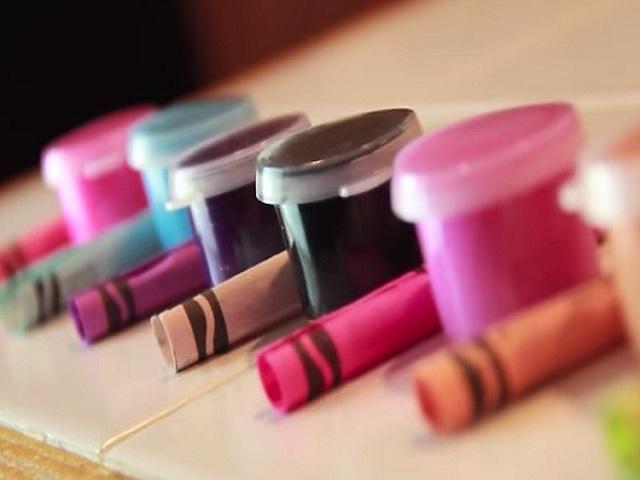 Make Lipsticks from Crayons