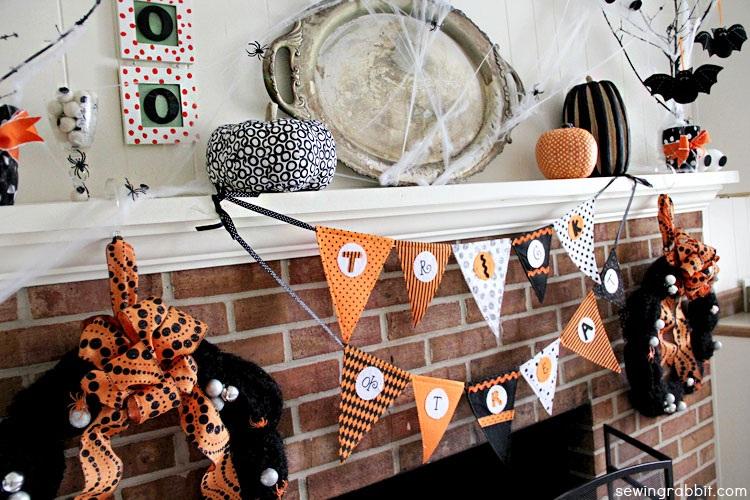Halloween Mantel DIY ?C #SpookySpaces