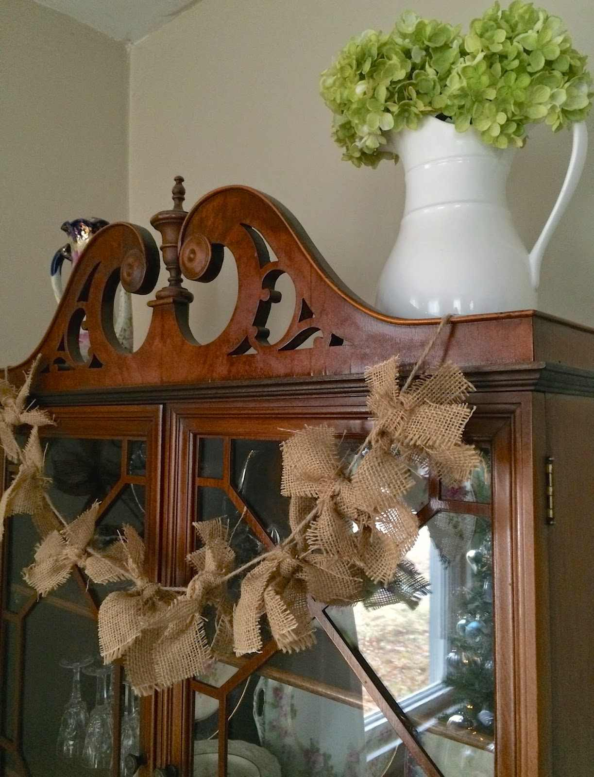 This Little House of Mine No Sew Burlap Tie Garland