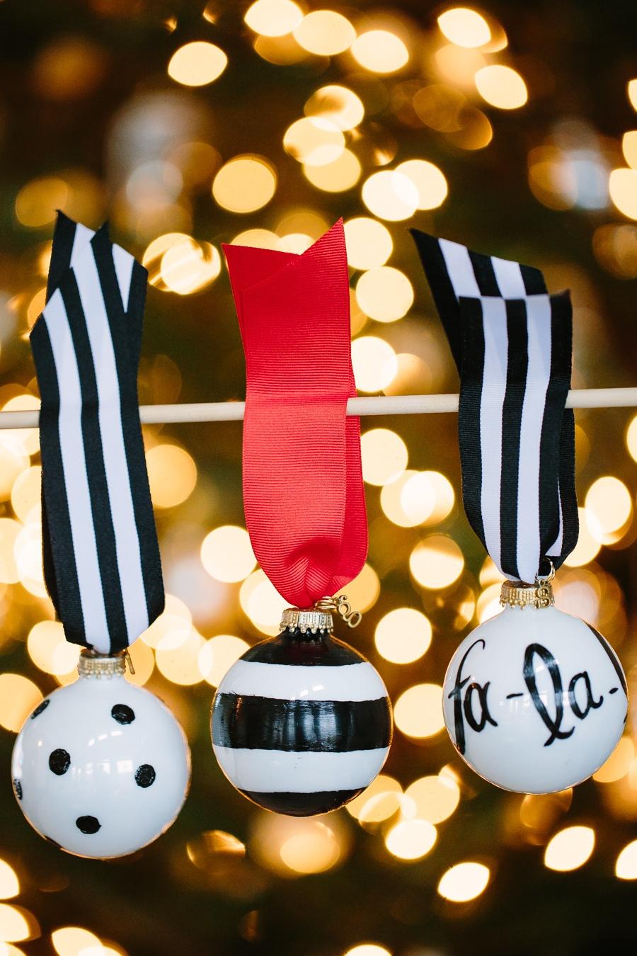 Black and White Ornaments a la Kate Spade