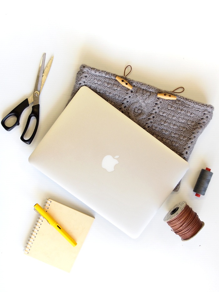 DIY Knit Laptop Cover!