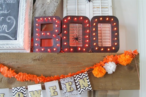 Light up BOO letters