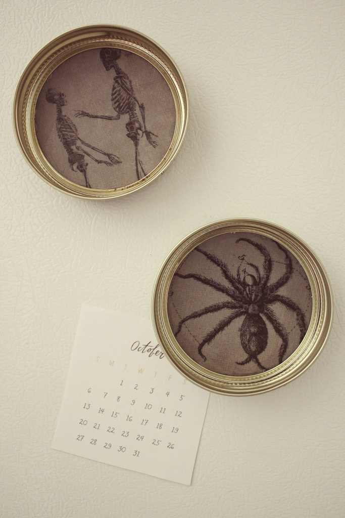 Diy halloween mason jar lid magnets