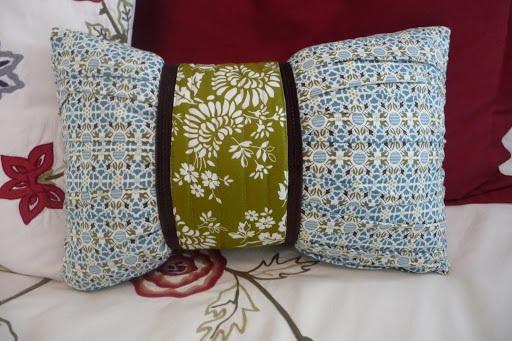 A Cinch of a Pillow Tutorial