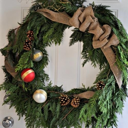 DIY Rustic Cedar Wreath (and the 2013 Canadian Wreath Hop!)
