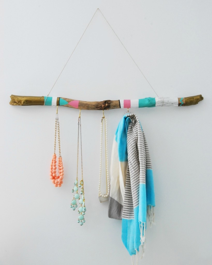 DIY painted driftwood hanger - the sweetest digs