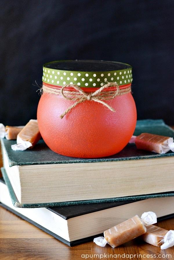 Teacher Gifts: Apple Treat Jar