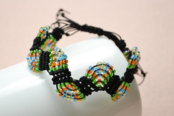 How to Make Adjustable Macram¨¦ Beaded Bracelets with Nylon Thread