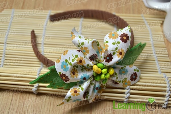 Making a Big Fabric Flower Headband with Beads for Girls