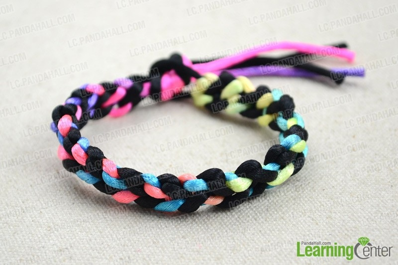 How do You Make Ombre Knotted Friendship Bracelet out of Strings