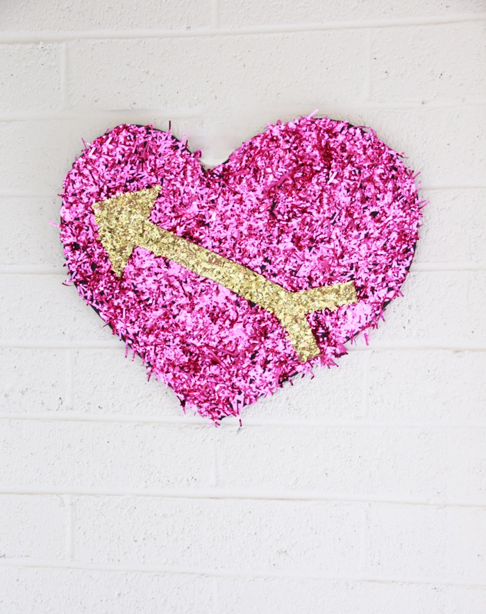DIY Confetti Heart Party Photo Backdrop