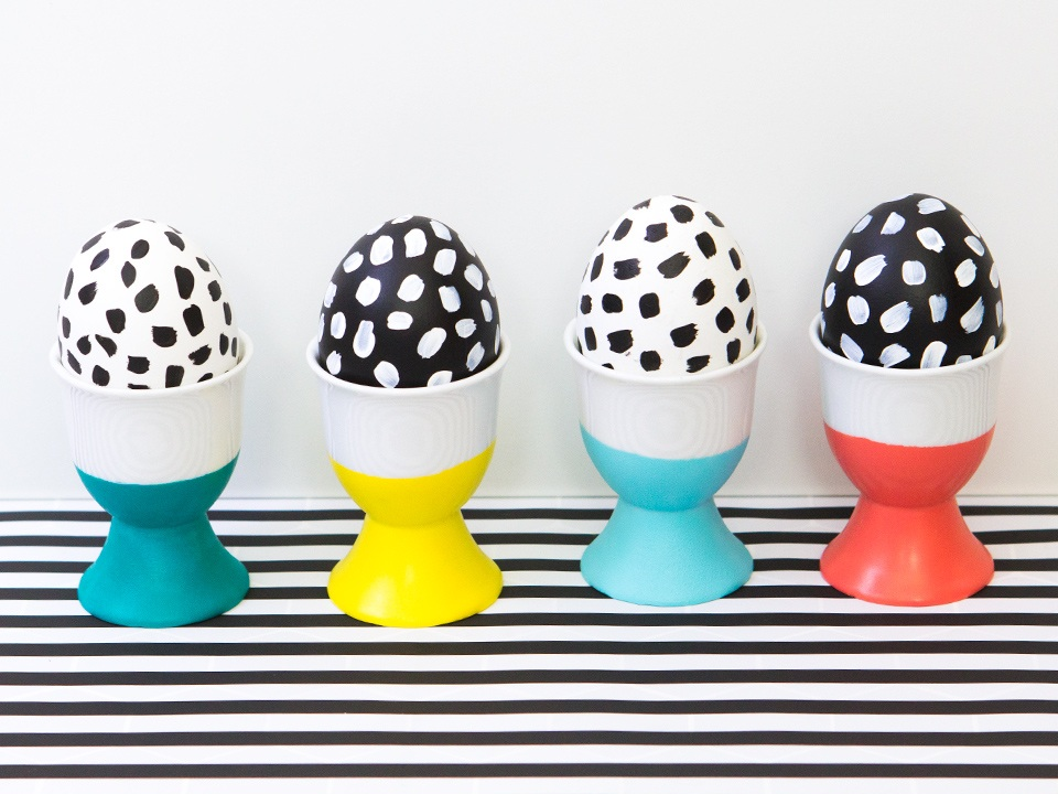 DIY Paint Dipped Easter Egg Cups - Sarah Hearts