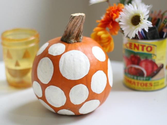 DIY: Polka Dot Painted Pumpkin - Momtastic