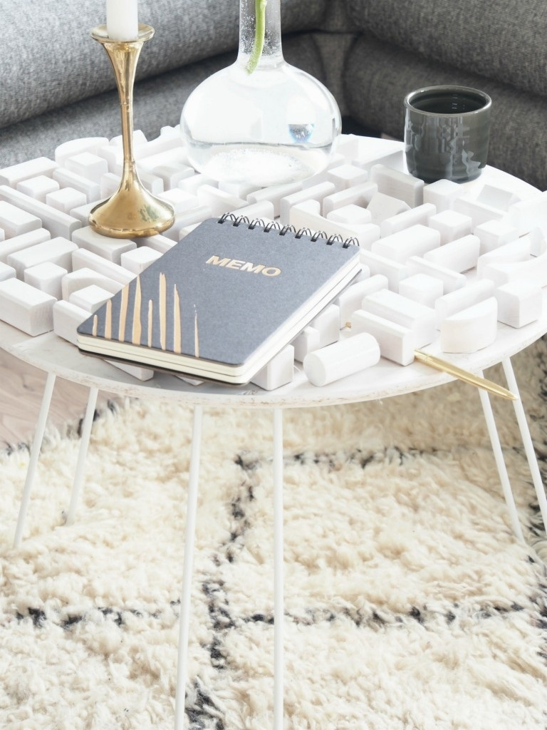 DIY Statement Coffee Table - monsterscircus