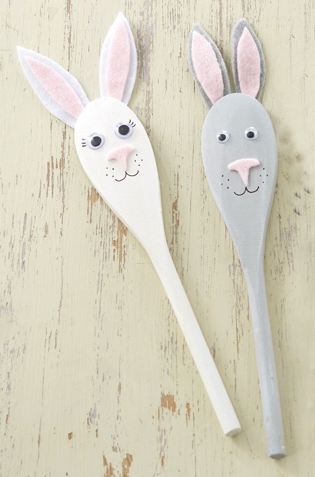 How to Make Easter Bunny Spoon Puppets