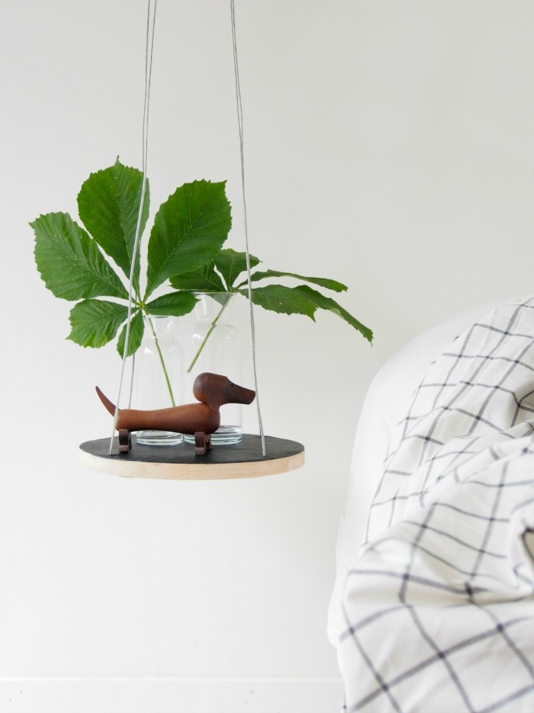 DIY floating string table