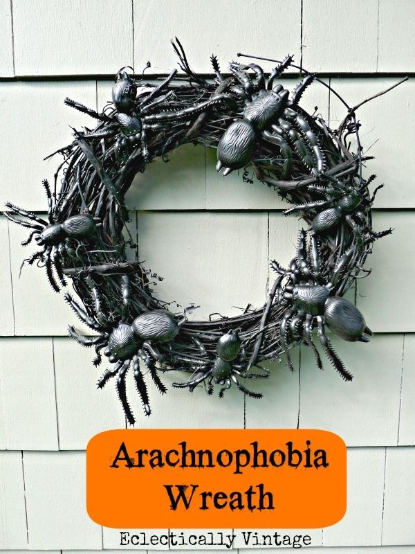 Spooky Spider Wreath Halloween Decorations DIY