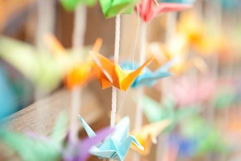 DIY Tutorial 1000 paper cranes backdrop by Boho Bride Laura